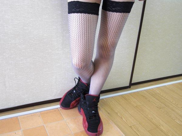 女生aj12鞋搭配